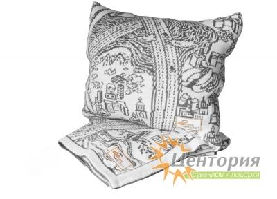 Подушка вязаная со сложным рисунком